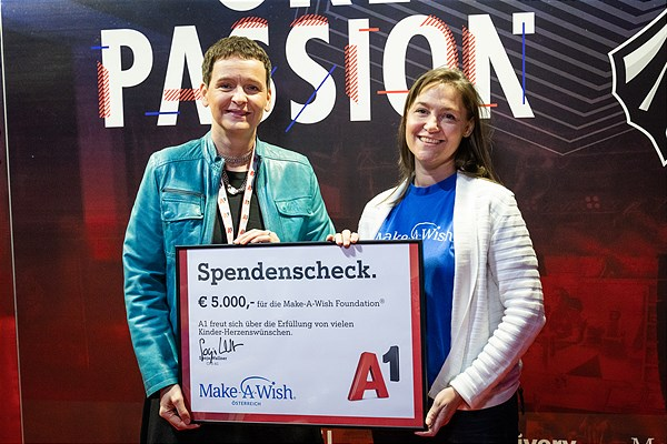 Spendenübergabe Make-A-Wish Foundation
